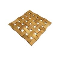 زیر قابلمه ای چوبی مربع